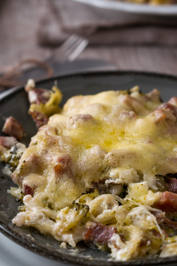 Cheesy Ham and Broccoli Casserole Recipe