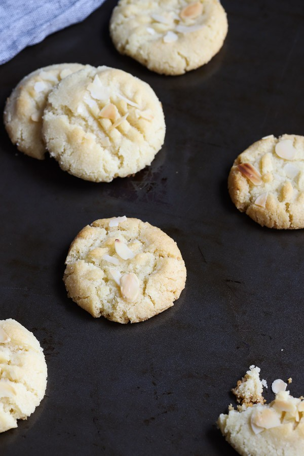 Low Carb Almond Shortbread Cookies