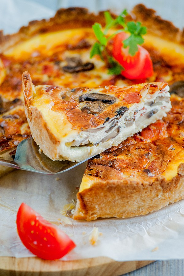 Cheesy Bacon and Mushroom Pie Recipe